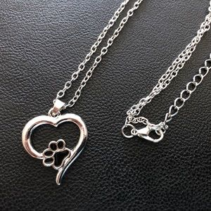 Jewelry - New Heart with paw pendant